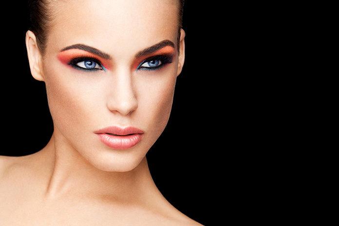 Optyczne powiększenie oczu dzięki makijażowi