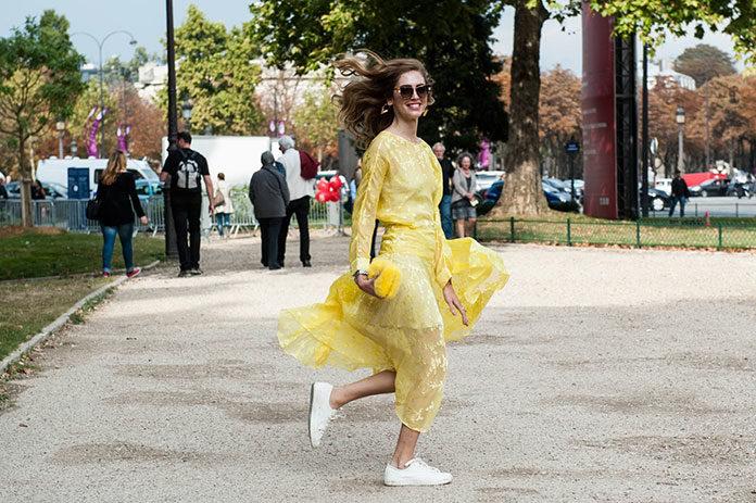 Żółty - modny kolor dla kobiety w każdym wieku