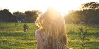 Ochrona włosów farbowanych przed słońcem