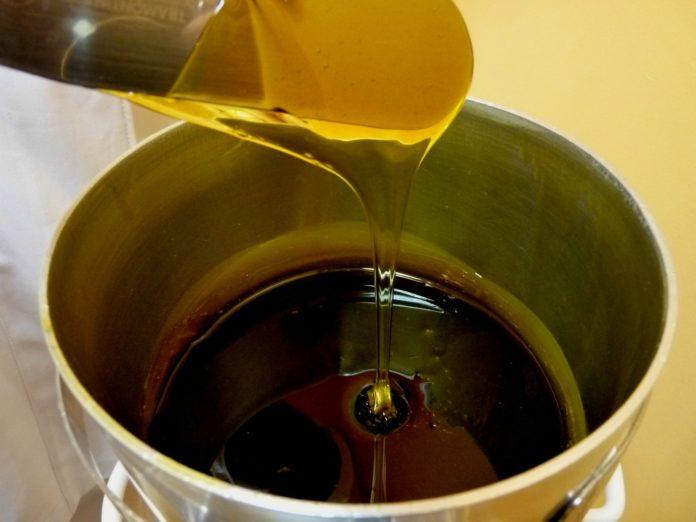 Domowa depilacja woskiem – w jaki sposób wykonać ją prawidłowo?