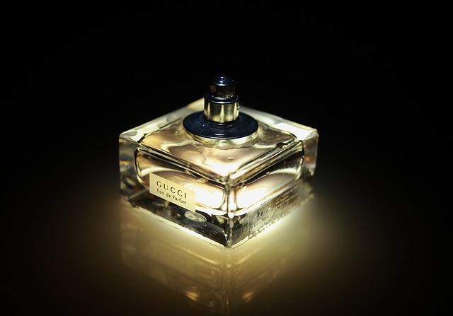 Perfumy - prezent trafiony czy nie dla kobiety