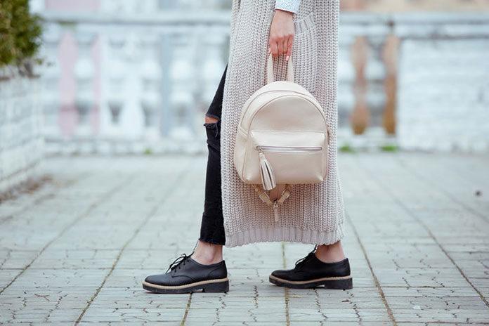 Plecak zamiast torebki - jak nosić?