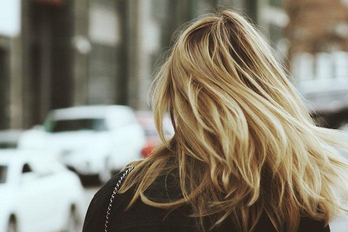 Proste, odżywione włosy
