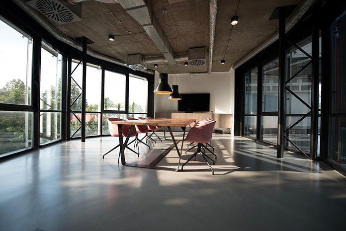Jak wybrać meble biurowe?