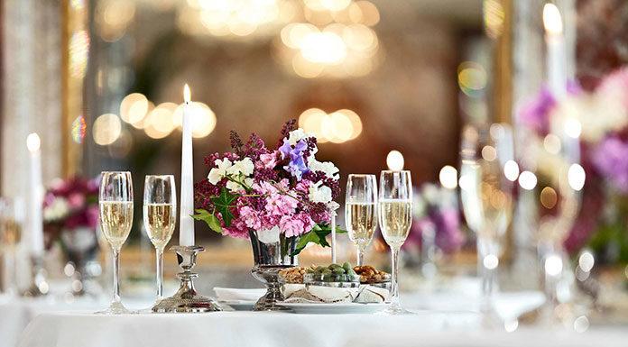 Papeteria ślubna na wesele marzeń - jaką firmę wybrać, by być zadowolonym?