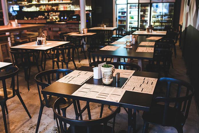 Biznesowe spotkanie w restauracji